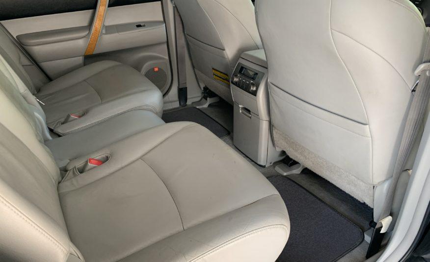2009 Toyota Highlander Limited Hybrid – One Owner